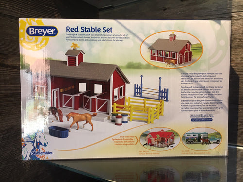 Breyer - Red Stable Set