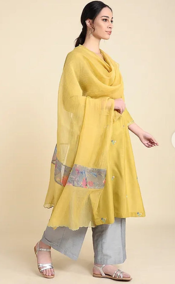 Ochre Chanderi silk dupatta with scallop embroidery