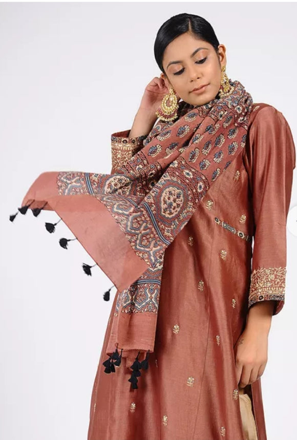 Dusty rose Ajrakh cotton stole