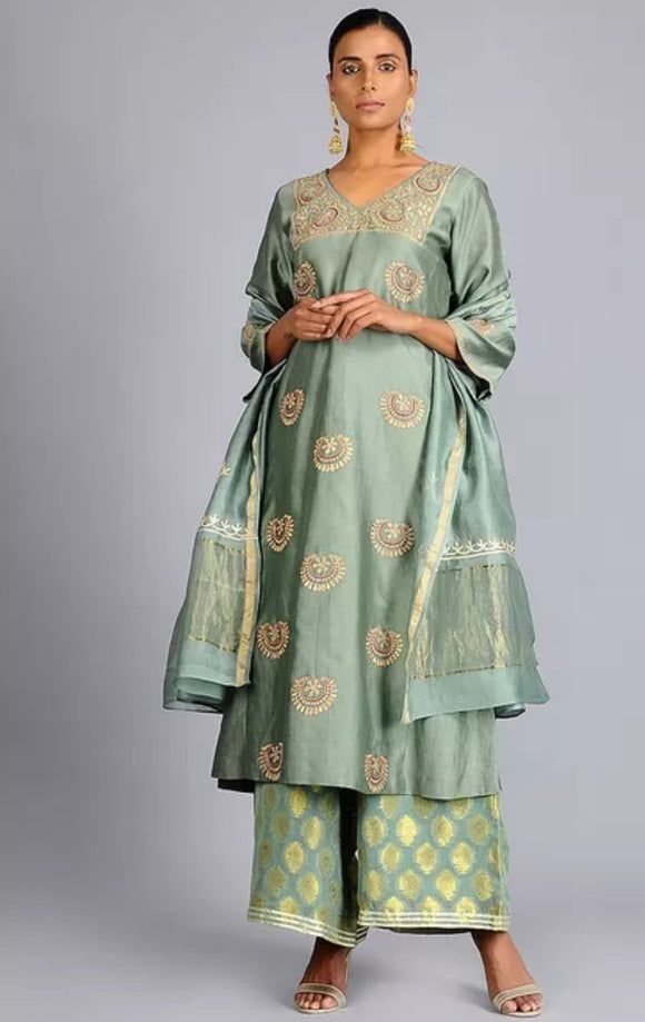 Green Chanderi silk embroidered kurta w dupatta