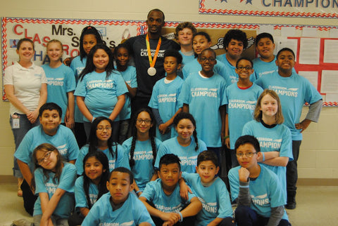 Track Athlete, Paralympic Silver Medalist & Classroom Champions Mentor, Lex Gillette with his students