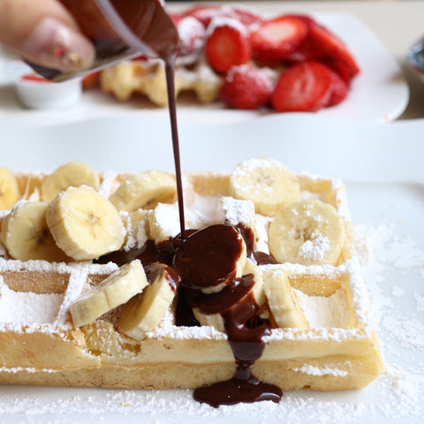 PEANUT BUTTER CUP PROTEIN WAFFLES