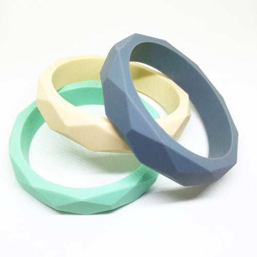 Lucy Teething Bangle - Option: with-storage-pouch, Colour: grey