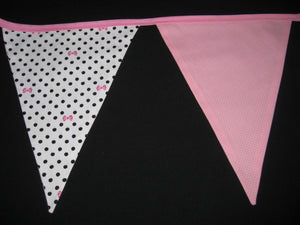 Triangle Pennant Flag Banner (Pink Flamingo & Bows)