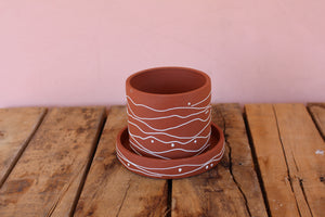 Victoria Buchler Planter with Tray - Red / Squiggle