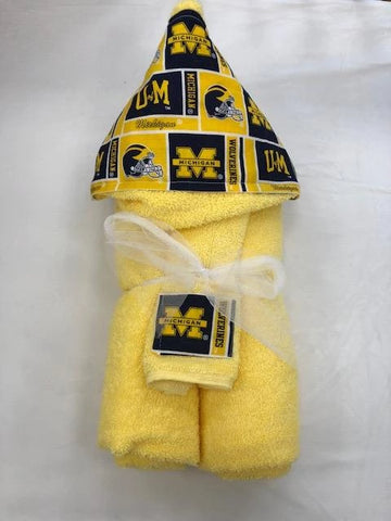 University of Michigan Luxe Hooded Towel and Washcloth set personalized