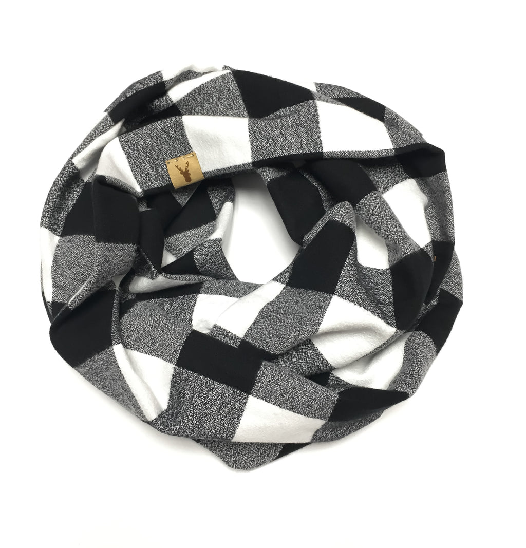 Black and White Buffalo Plaid Infinity