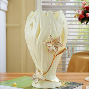 Classical art hollow ceramic vases Pretty flowers embossed vase Fashion Home Decoration
