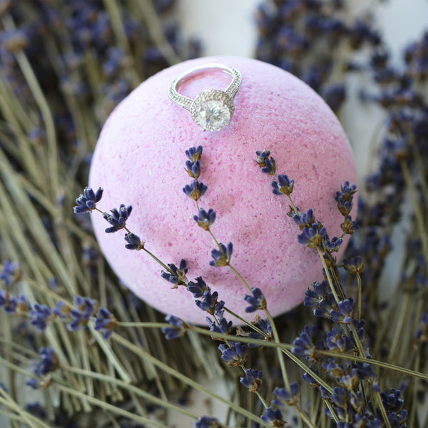 Lavender Ring Bath Bomb