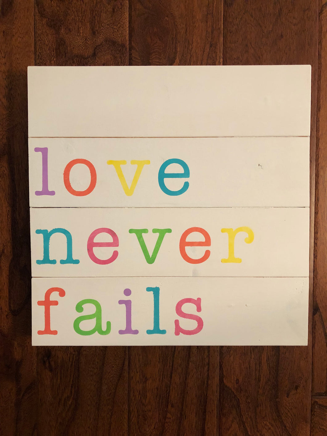 Love never fails (D080)