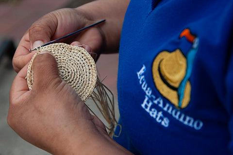 The weaving of the toquilla straw hat.