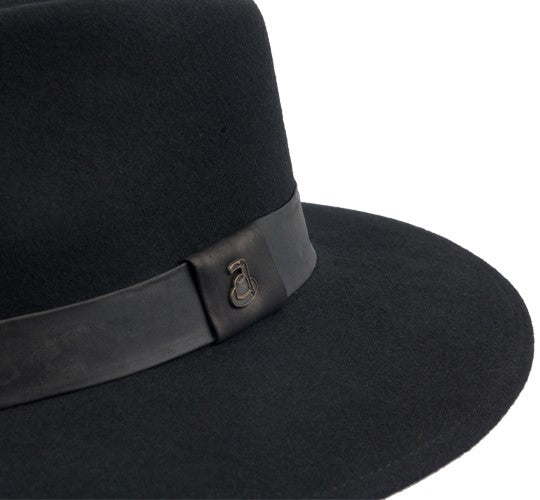 The Australian Black Hat