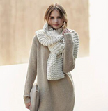 Women's Cozy Knitted Wool Scarf