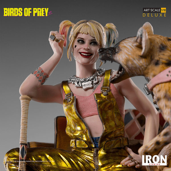 Iron Studios Harley Quinn and Bruce Deluxe Statue Harley Quinn Close-Up