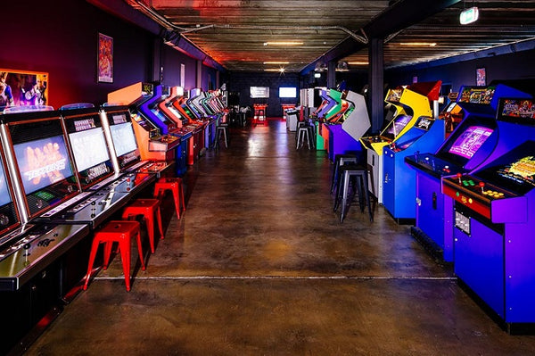 📷: www.brisbanekids.com.au/family/arcade-games-brisbane-1up-arcade/
