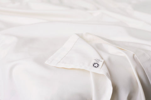 GOTS certified organic cotton bedsheets in beige by Knotte