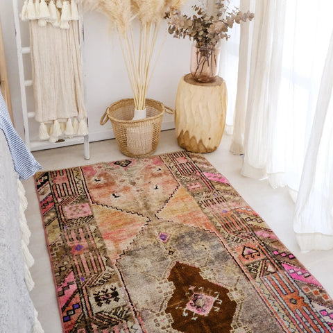 Sundara Vintage Hand knotted Wool Turkish Rug - Lustere Living