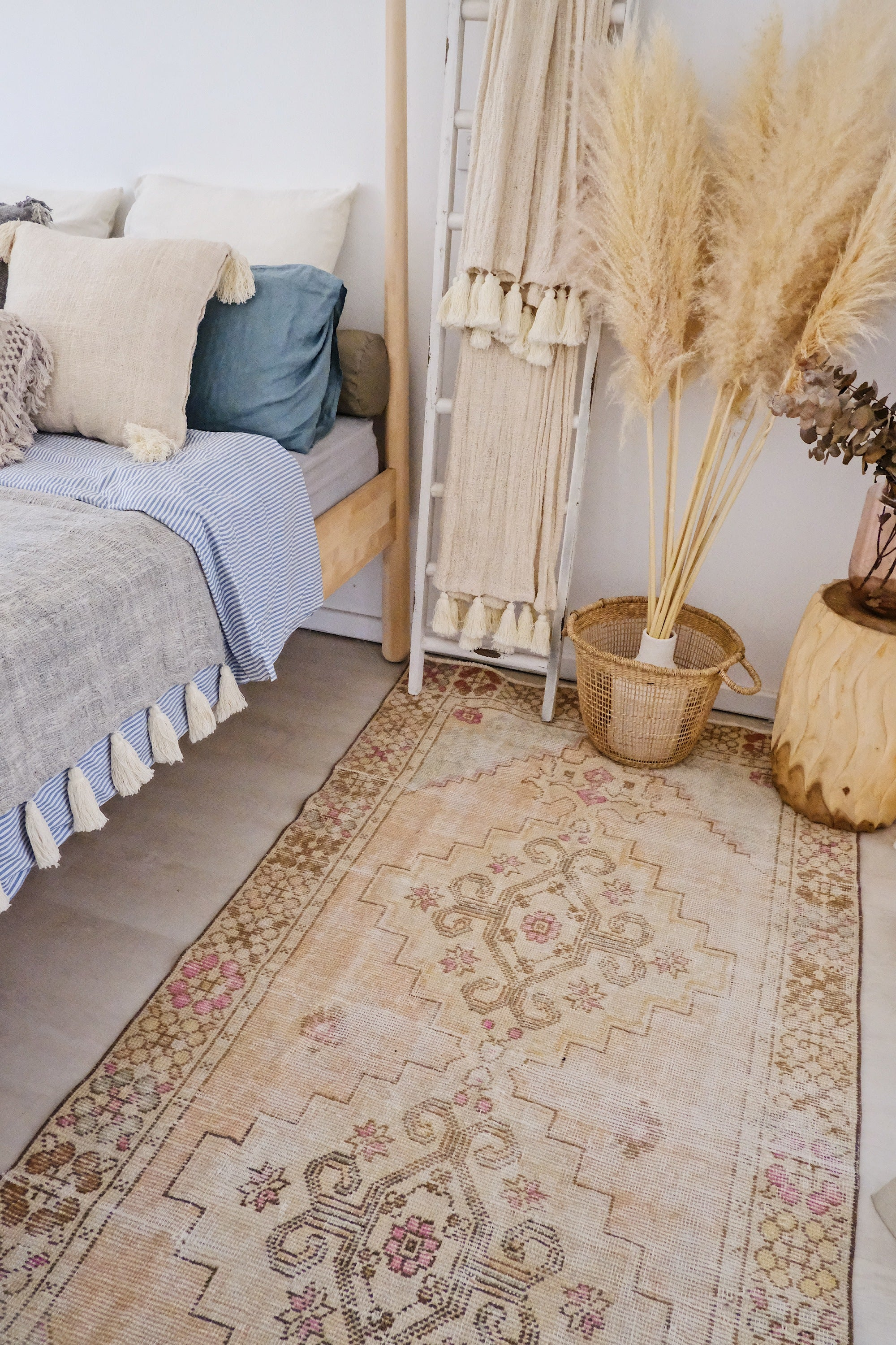 Alhambra Faded Peach Ivory Turkish Runner Rug