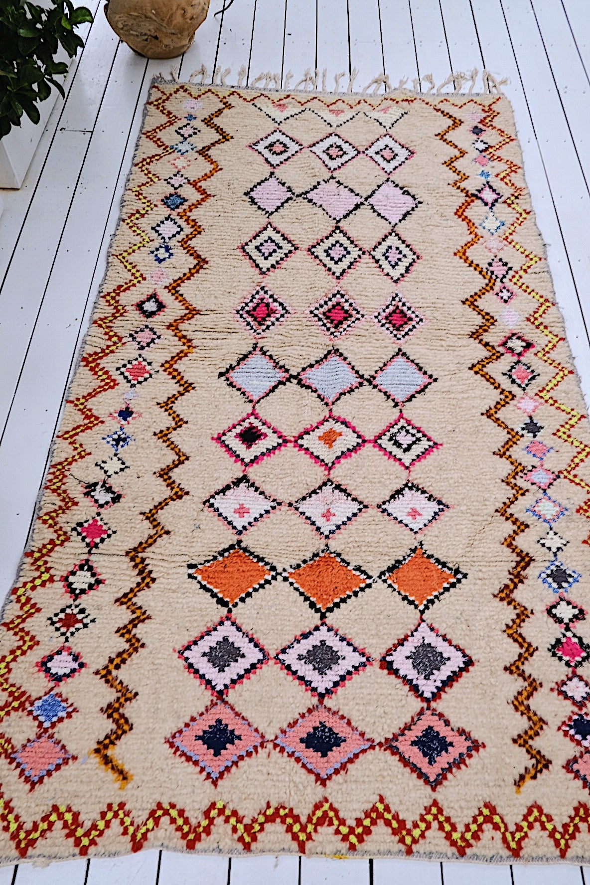 Jada Vintage Ivory Mini Diamonds Wool Boho Rug 246x137 - Lustere Living