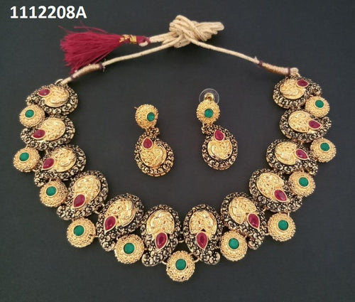 Tiptop Fashions Green Kundan Stone Necklace Set  - 1112208a