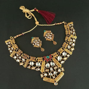 Tip Top Fashions Gold Plated Kundan Necklace Set - 1112211