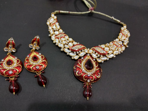 Tiptop Fashions Kundan Necklace Set   2100901