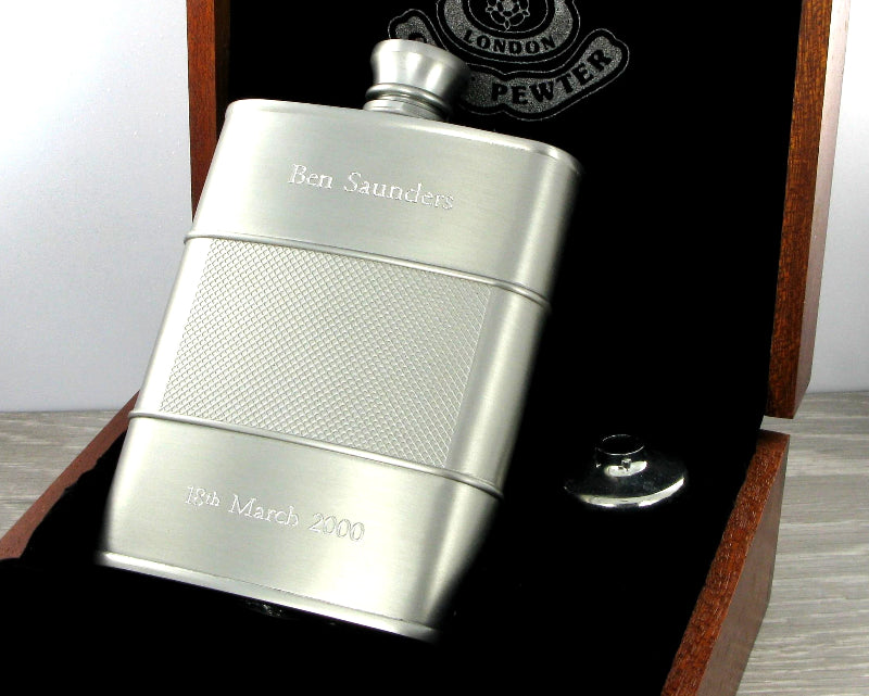 Royal Selangor New Modern Cast Hip Flask 15cl & Wooden Case 094402G