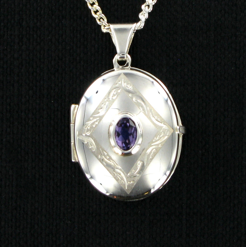 "Purple Amethyst Oval Locket & 18"" Curb Chain"