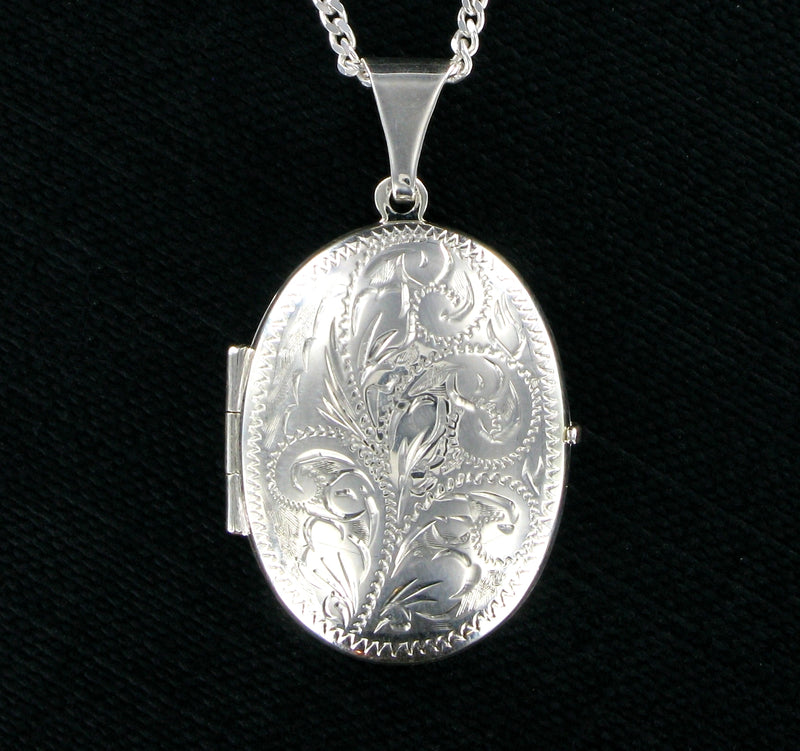 "Cut Patterned Oval Locket & 18"" Curb Chain"