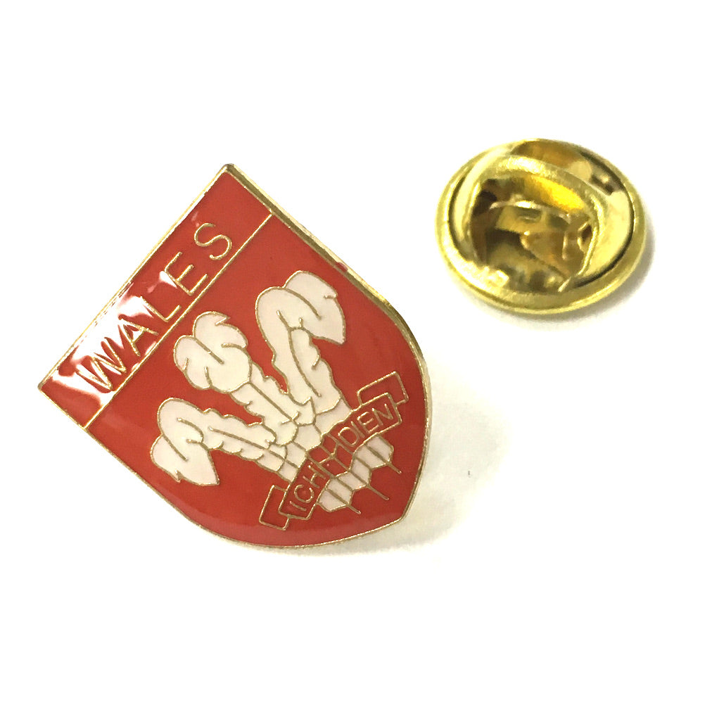 Welsh Feathers shield Pin Badge [sr]