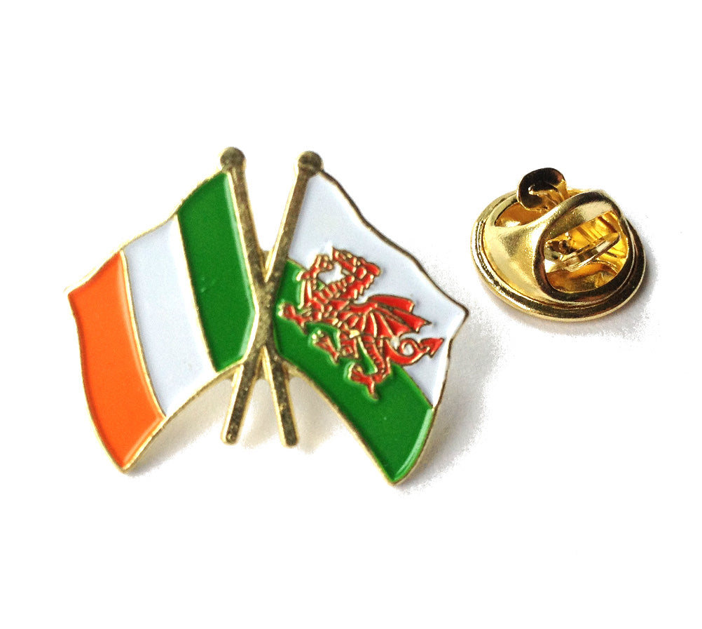Wales / Ireland Friendship Pin Badge [wb41]