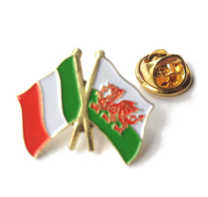Wales / Italy Friendship Flag Pin Badge [wb44]