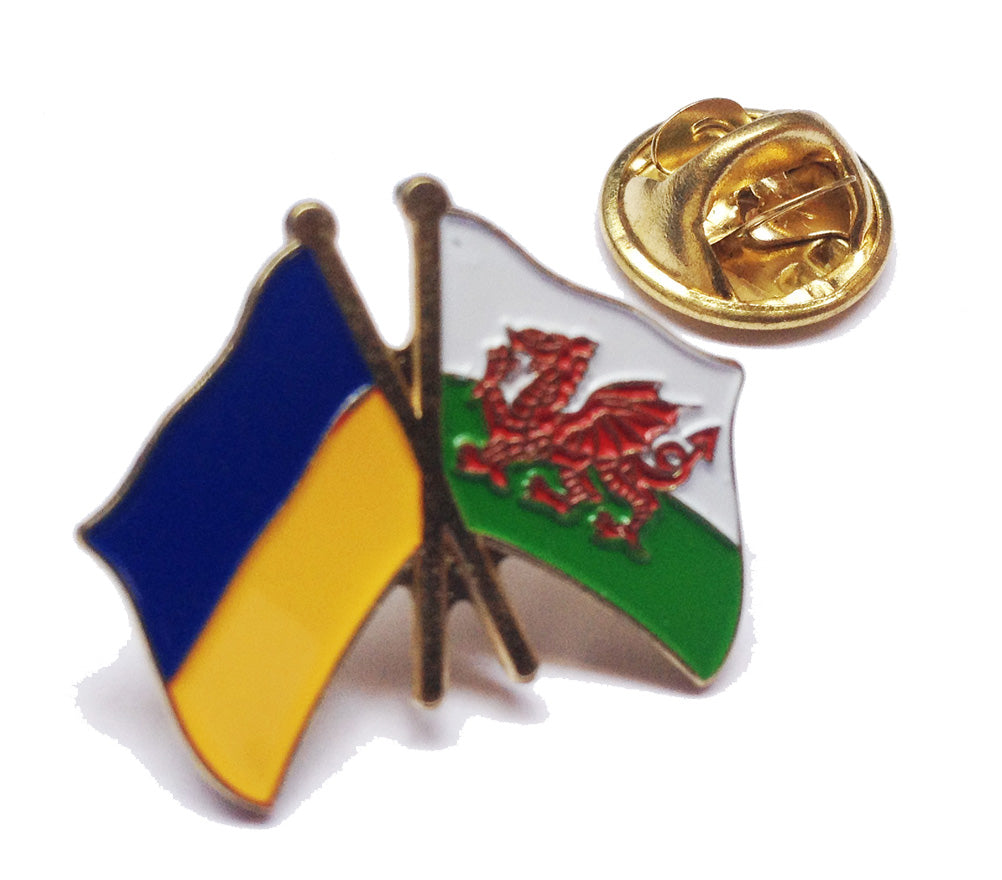 Wales / Ukraine Friendship Pin Badge [wb210]
