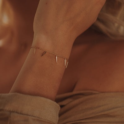 LUXE Mini Dagger Slider Bracelet - Gold