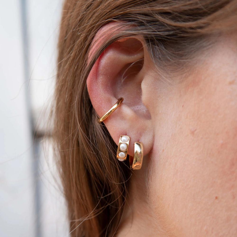 Luxe Chunky Pearl Huggie & Metal Cuff Ear Party