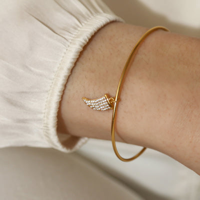 LUXE Pavé Tusk Bangle