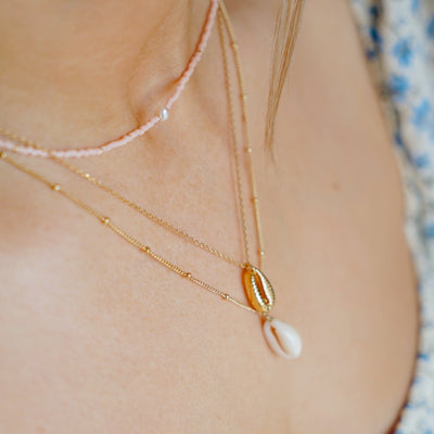 Ditsy Cowrie Shell Necklace - Gold