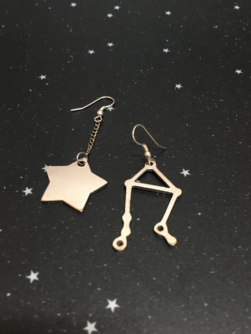 Silver Star 'LIBRA' Earrings - Riddhika Jesrani