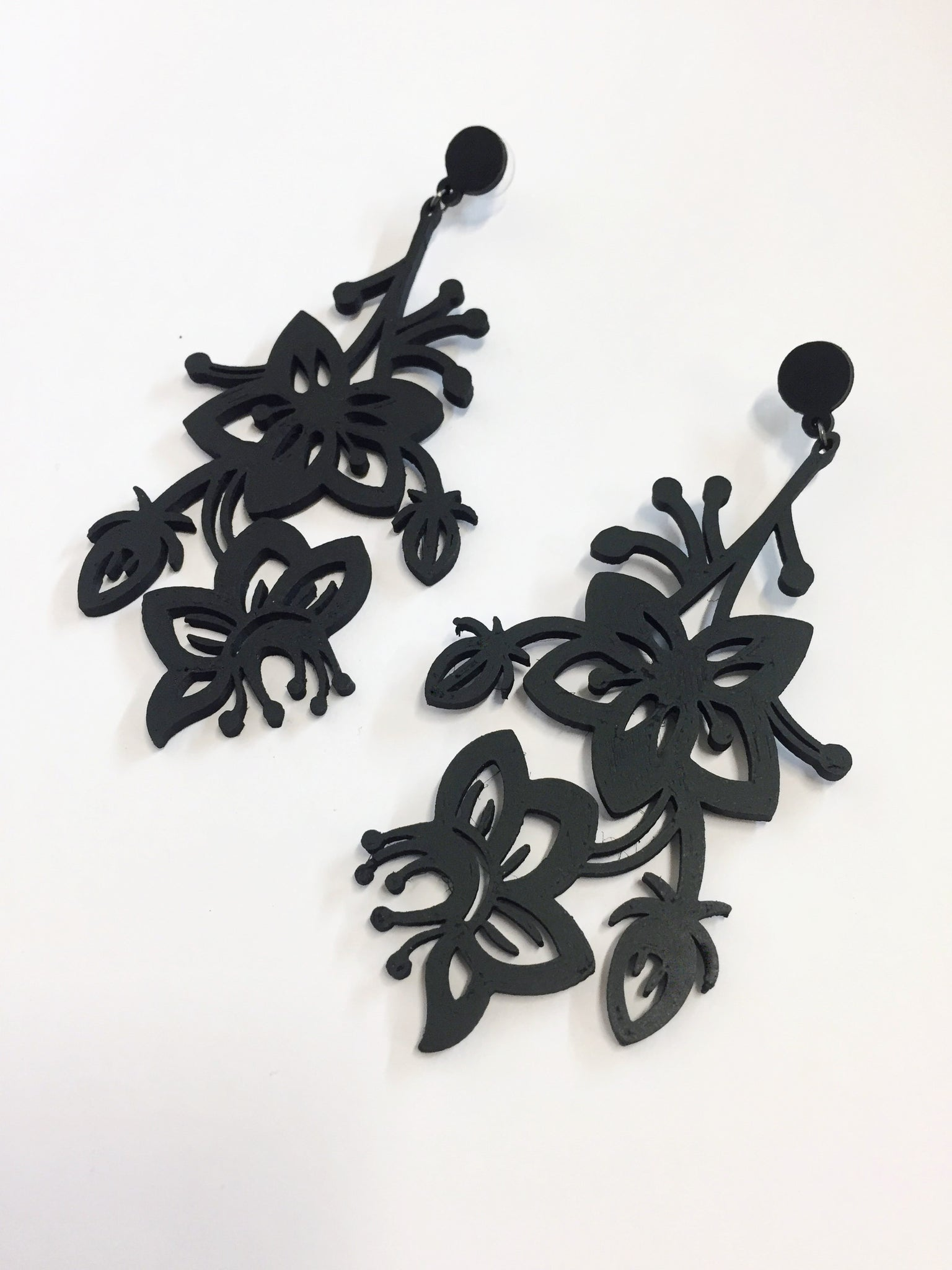 Black Flower Bunch Earrings