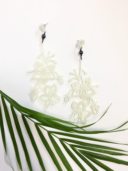Glow-in-the-dark // White Flower Bunch Earrings