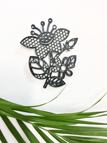 Net Flower Brooch
