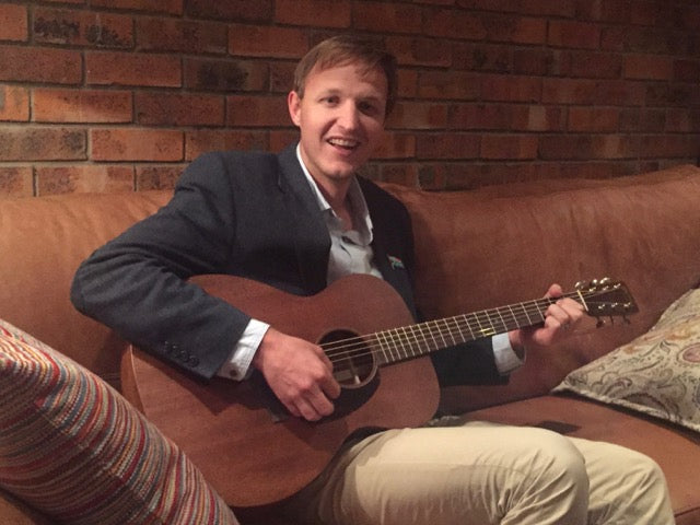 Mark with his new Martin 000–15M