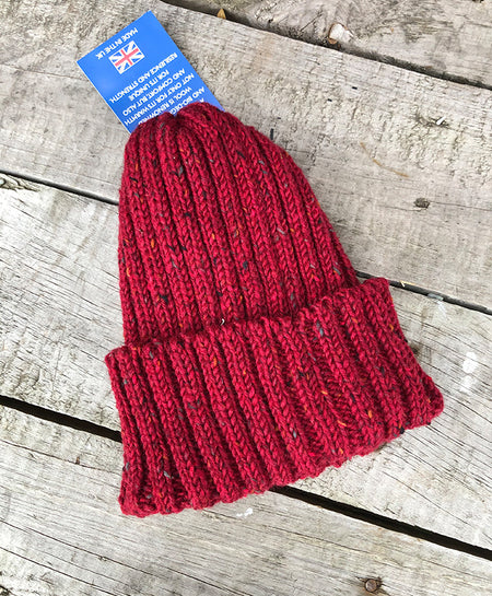 CLOBBER-CALM WOOL BEANIE – RED