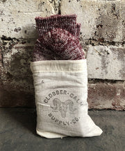 CLOBBER-CALM RIDER SOCKS – PLUM
