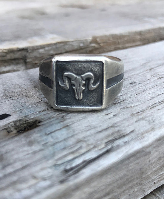 CLOBBER-CALM 925 SOLID SILVER SIGNET RAM RING
