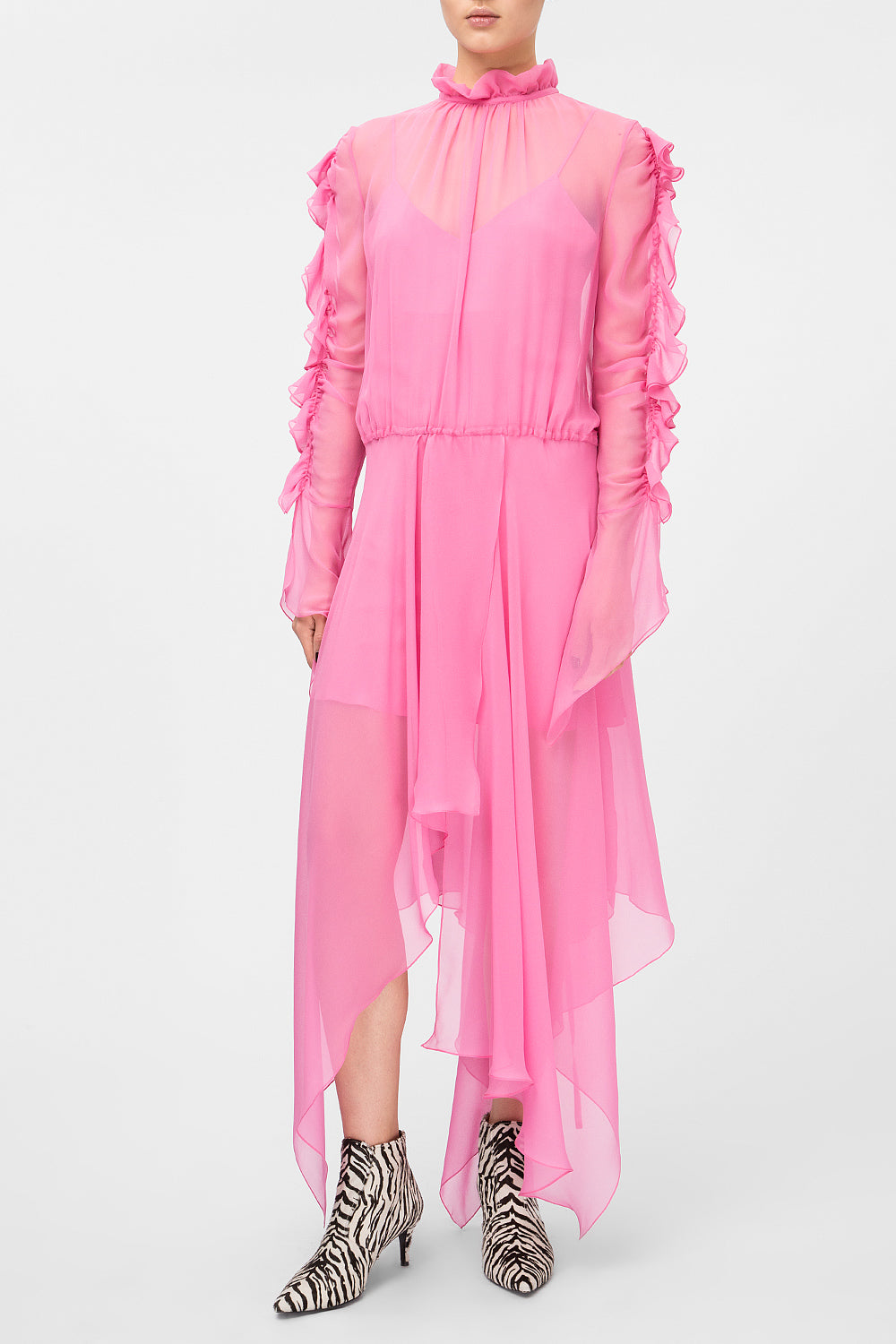 Pink silk dress with flounces on sleeves