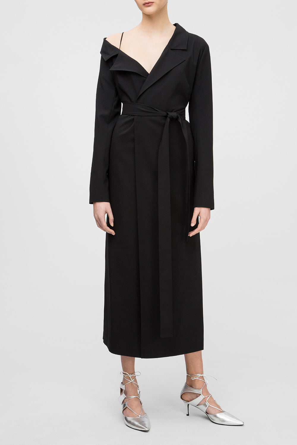 Trench coat with open shoulder