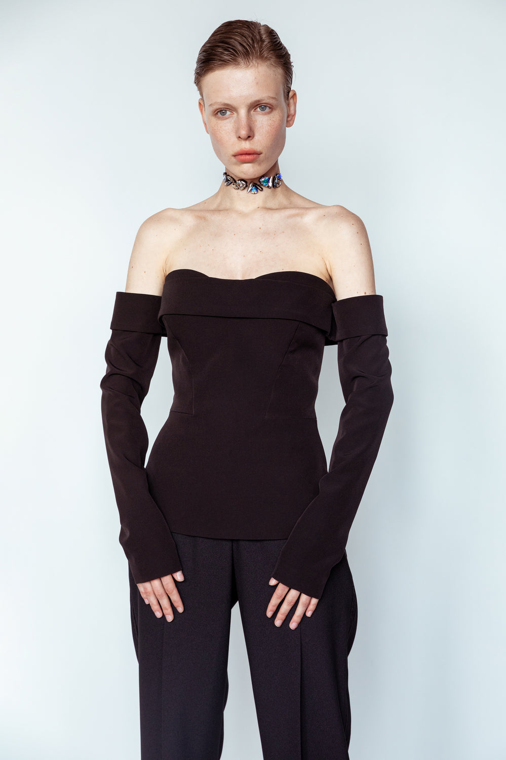Bustier-corset with sleeves