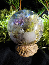 orgonite ronde calcédoine, quartz rose, nacre