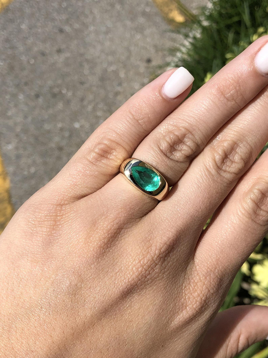 1.90cts Bezel Teardrop Emerald East To West Solitaire 14K Ring